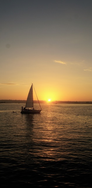 Beautiful sunset at San Francisco Bay